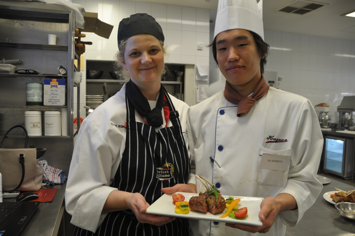 Japanese students get a taste of Perth's culinary scene